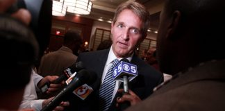"""Jeff Flake"" by Gage Skidmore liscensed under CC BY 2.0 (via Flickr)"