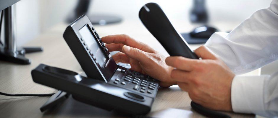 Stel in een paar stappen uw eigen VoIP telefonie-oplossing samen