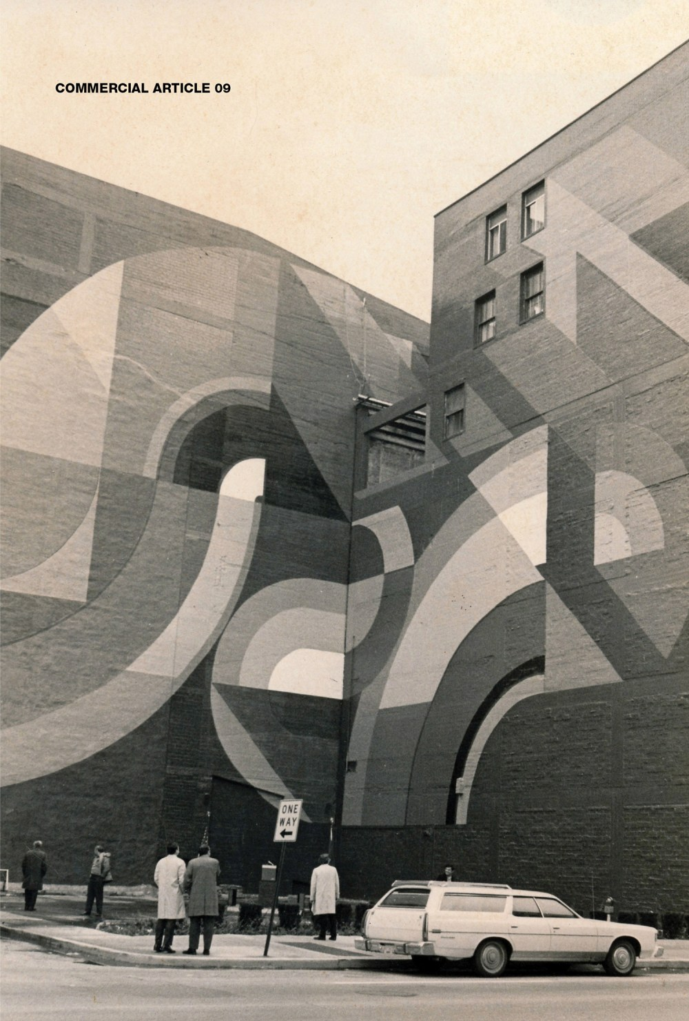 Cover of issue 9 (2016) depicts the long-neglected urban wall design of Austrian transplant Roland Hobart.