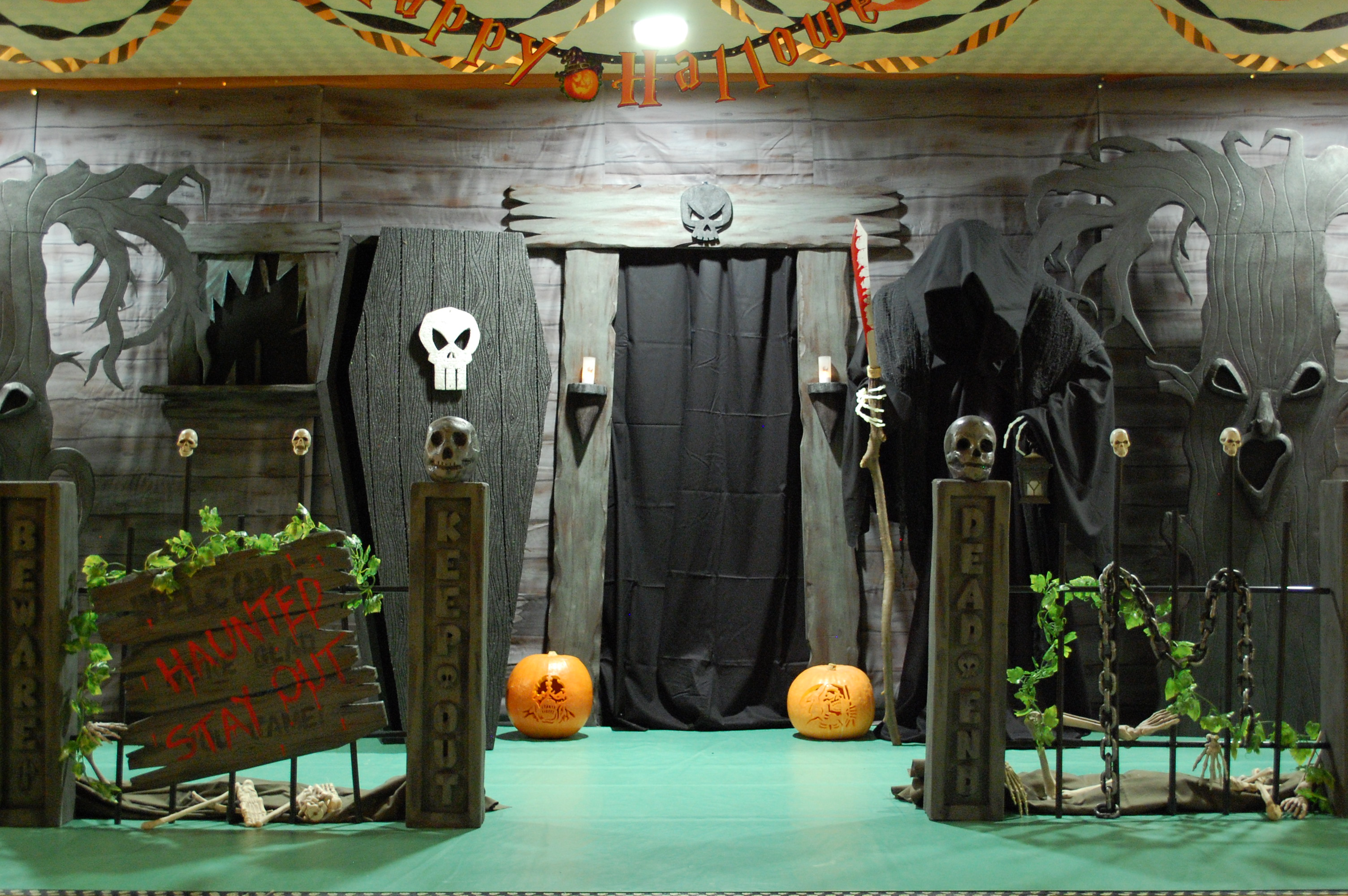 haunted house ideas make your own haunted house decorating - Halloween House Decoration Ideas