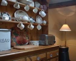 Cottage dresser