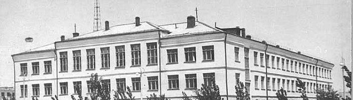 Школы Приозёрска. История официальная и не очень