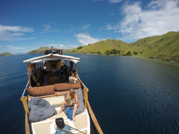 barco en Komodo