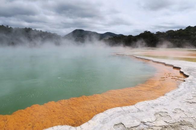champagen pool