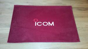 Icom Shack Mat red wine