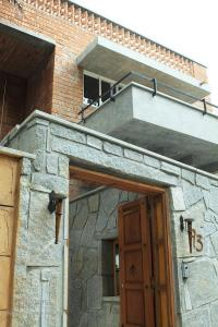 Bangalore Architects: Grey Scale design the Jain Residence ...