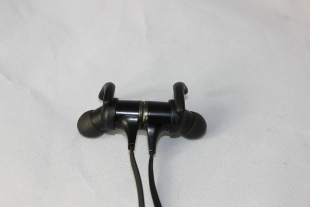 Tao-Tronics-TT-BH05-Bluetooth-Headphone