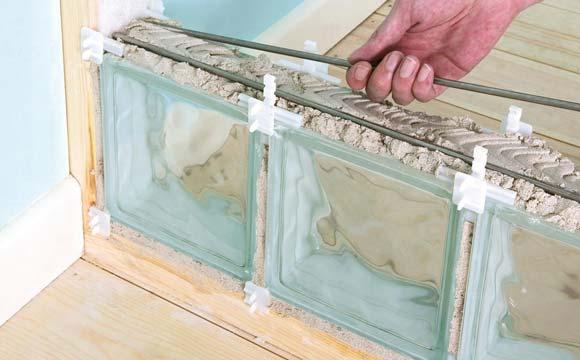 brique de verre dans une salle de bain