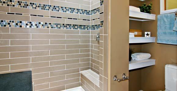 la pose d une mosaique de salle de bain au sol ou murale