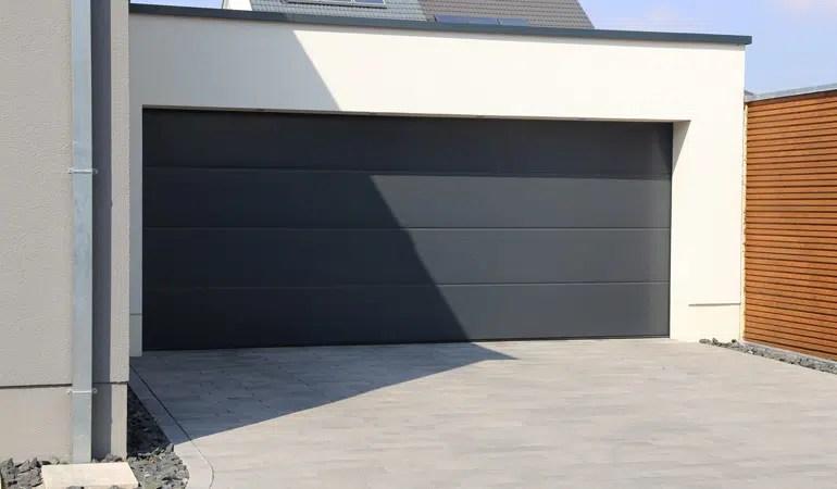 Prix D Une Porte De Garage Cout Moyen Tarif D Installation Prix Pose