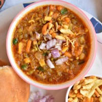 misal pav recipe | how to make maharashtrian misal pav,usal- misal pav recipe