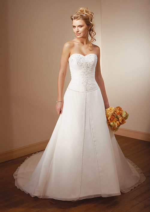 Discount Wedding Dresses For Sale  Bridal Gowns On A Budget  Low Price Designer Dresses For