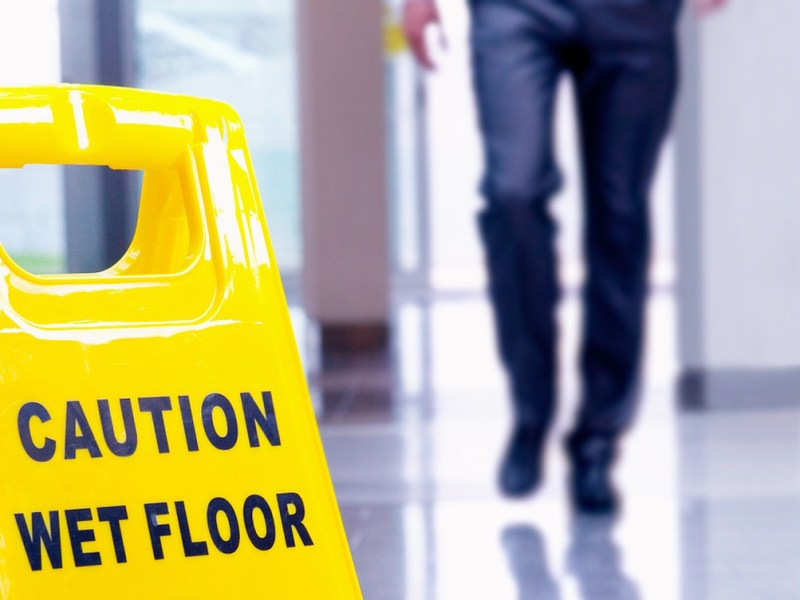 Slips, Trips and Falls: Fall protection in slippery conditions
