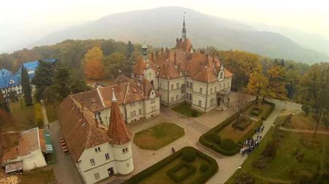 замок Шенборнов Закарпатье