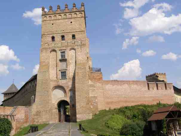 Луцкий замок экскурсия