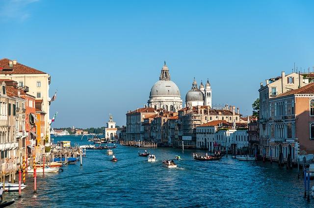 Экскурсионный тур — 3 дня, 3 страны: Италия, Словакия, Венгрия