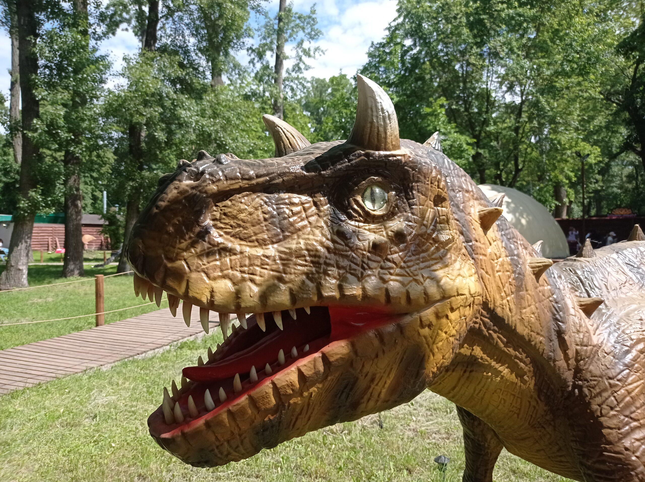 Выставка динозавров в Киеве – мини-парк Юрского периода