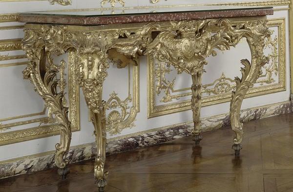 """Table-console, dite """"table des chasses """" de Louis XV © RMN-Grand Palais (Château de Versailles) / Gérard Blot"""