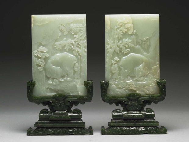 Paire d'écrans de table à décor d'éléphant et de prunier - Chine, dynastie Qing, période Qianlong (1736-1795) - Jade Musée national du Palais, Taipei © National Palace Museum, Taipei