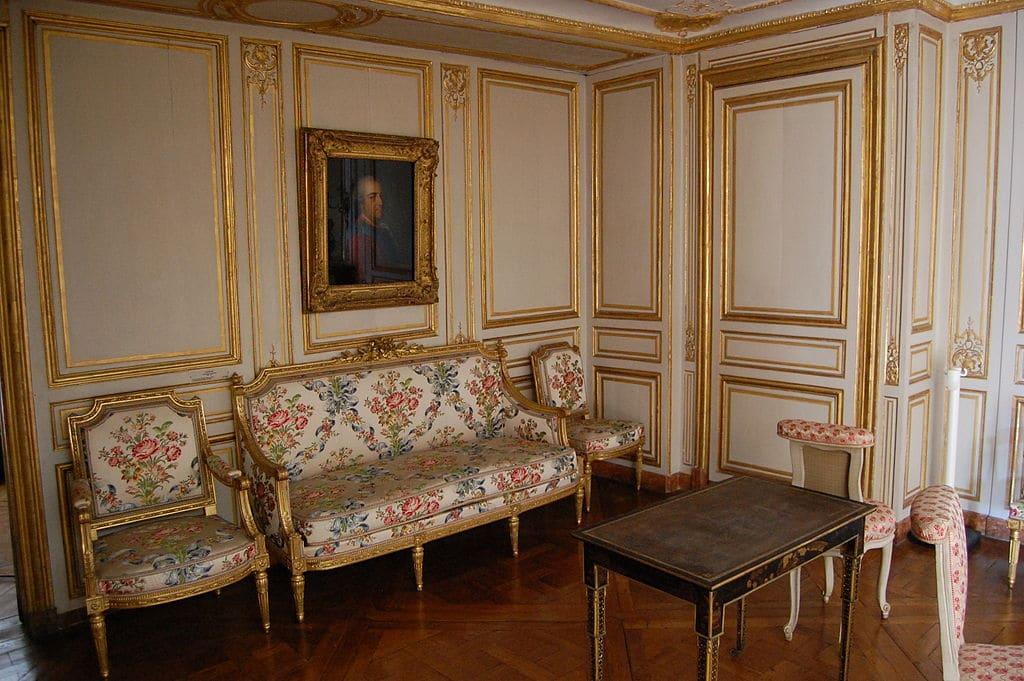 Les Appartements De Madame Du Barry 224 Versailles Le