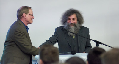 Belarus debate - Shaking hands