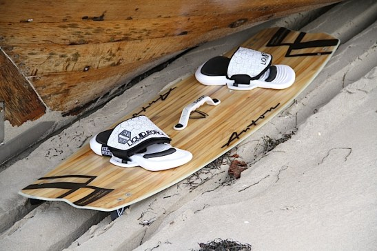 Anton Custom KiteBoard Bullet clear wood Proto 01