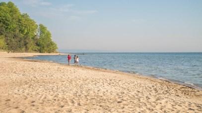 Lauftraining am Strand der Ostseeinsel Ruegen 04