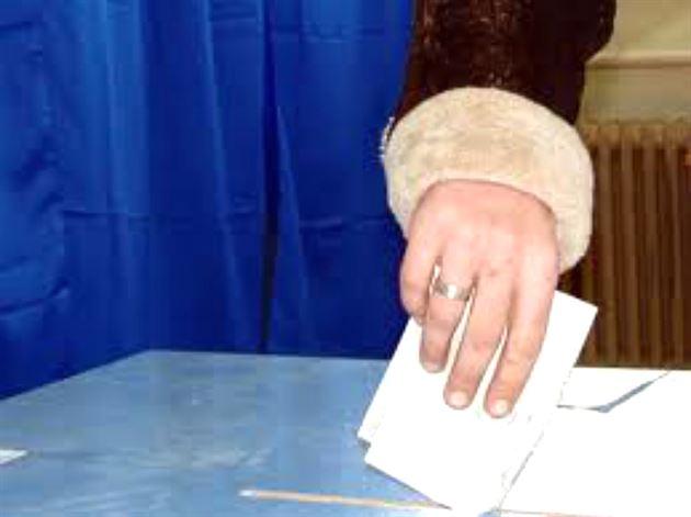 Sectiile de votare, pazite mai ceva ca Banca Nationala