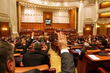 Parlamentul a respins referendumul propus de Traian Basescu