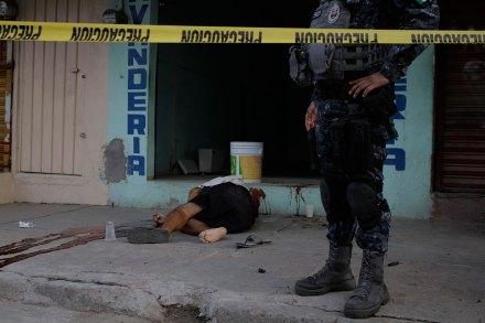 El asesinato de un hombre en Acapulco, Guerrero. Foto: Bernandino Hernández
