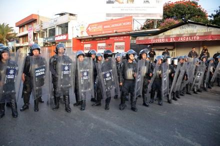 Efectivos resguardarán el complejo de Ciudad Administrativa.  Foto: Jesús Cruz