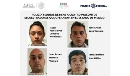 Los presuntos secuestradores detenidos en el AICM.  Foto: CNS