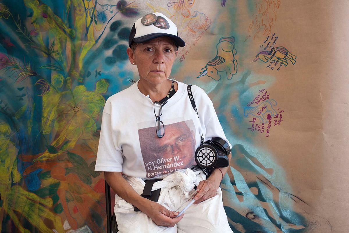 María Hernández Hernández posa para un retrato en Tetelcingo, Morelos. Foto: Germán Canseco