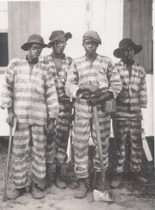 """Southern chain gang."" 1900-1906. Library of Congress, Prints & Photographs Division, Detroit Publishing Company Collection, LC-D401-16155."