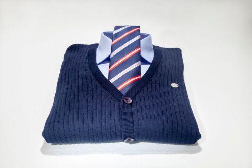kravata svetr