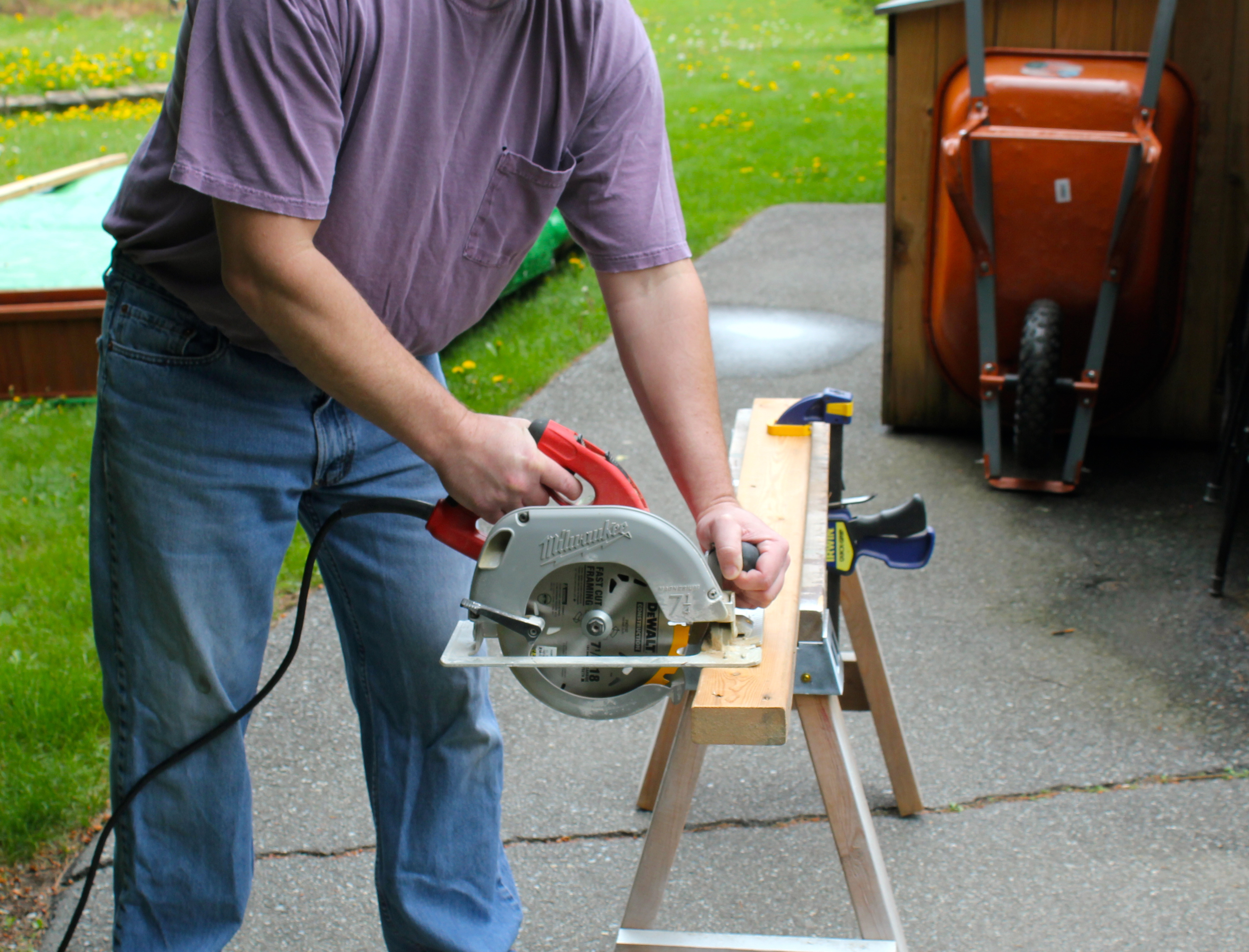 Safety tips for circular saws  Pro Construction Guide