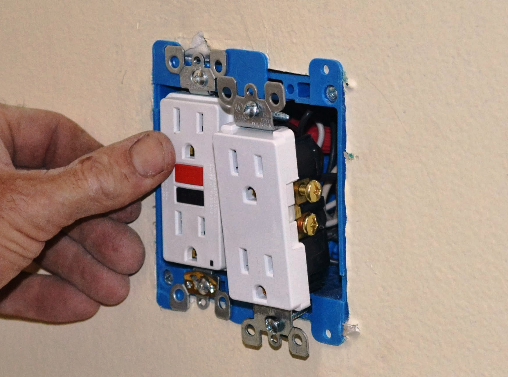 hight resolution of converting a 2 socket outlet to a 4 socket