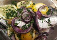 Orata al forno con limone, tropea e olive