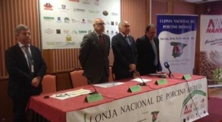 La I Lonja Nacional del Porcino Ibérico reúne en Mérida a los profesionales del sector de diversas regiones