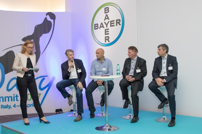 Stephanie Rief, Torsten Hemme, Jaques Barnard, Daniel Berckmans, Fernando Mazeris _BayerDairyCattleSummit2017