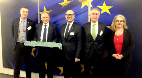 Veterindustria y AnimalhealthEurope se reúnen con el comisario de Salud y Seguridad Alimentaria de la UE Vytenis Andriukaitis