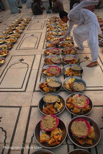 Become Socially Productive This Ramadan