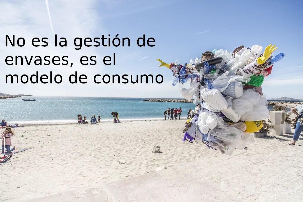 No es la gestión de envases, es el modelo de consumo