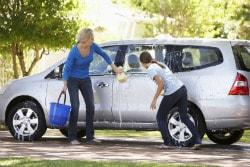 Ako správne umyť auto aby sa nepoškodil lak