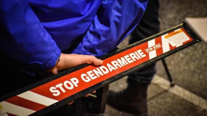 Saint-Martin : Un gendarme gravement blessé après avoir été percuté par un deux-roues