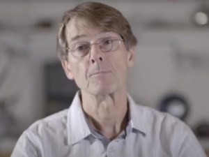 L'ancien vice-président de Pfizer : « Les gouvernements vous mentent et préparent le dépeuplement massif »