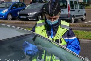 Bonny-sur-Loire : Elle refuse d'obtempérer et traîne un gendarme sur le capot de sa voiture sur plusieurs dizaines de mètres