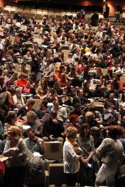 2016.04.19) AG des Intermittents au théâtre de la Ville 4