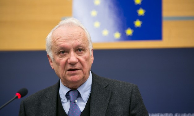Jean-Marie Cavada : « La culture n'a pas suffisamment sa place dans les régimes démocratiques »
