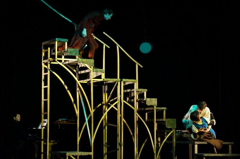 Un ''Faust'' tout en condensation : le pari percutant de Ronan Rivière